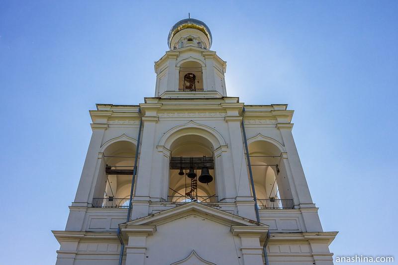 Надвратная колокольня Юрьева монастыря, 1841 год