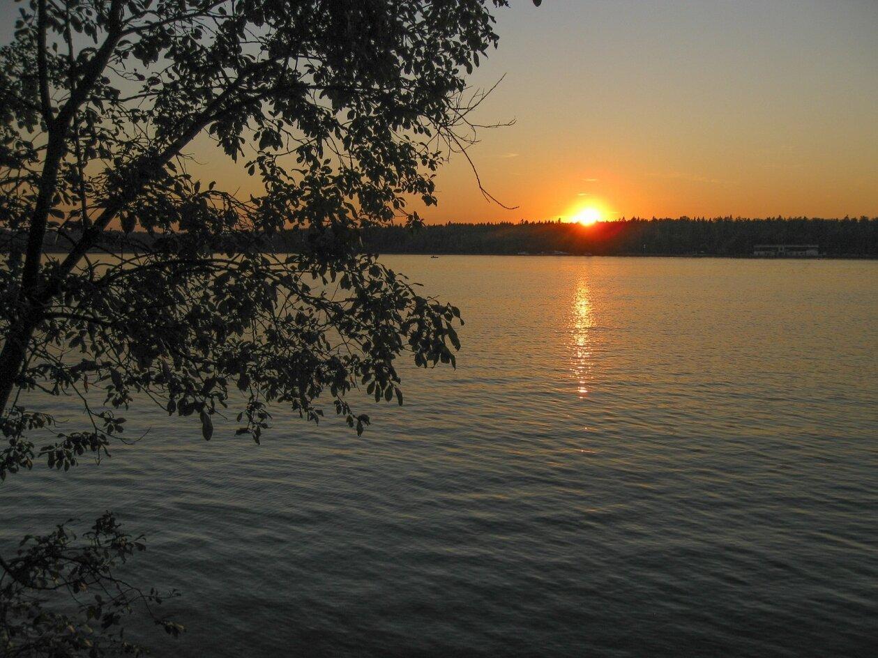 Закат на Пяловском водохранилище