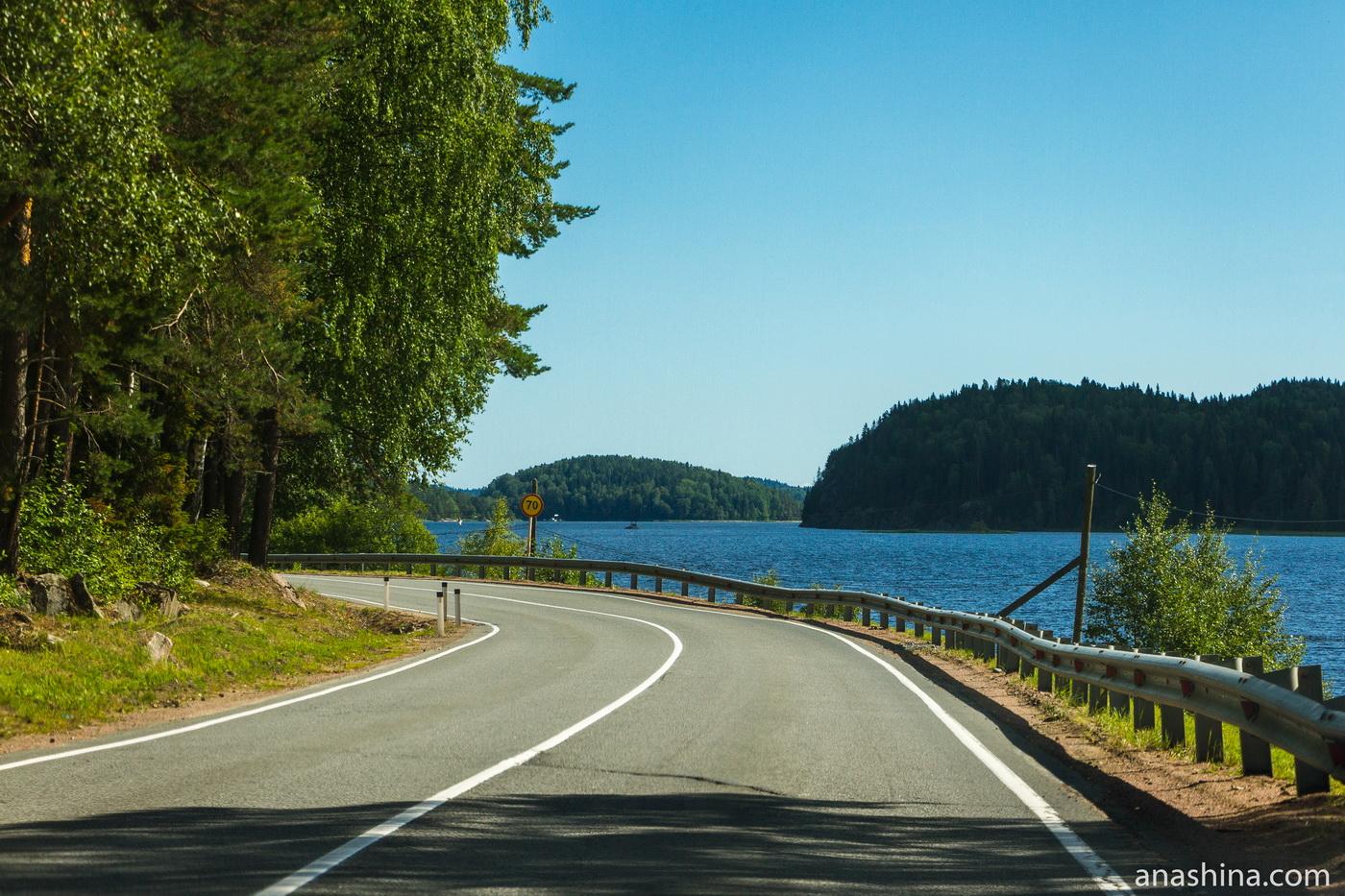 Дорога вдоль Ладожского озера