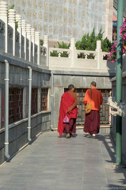 Монахи, монастырский комплекс Бадачу, Пекин