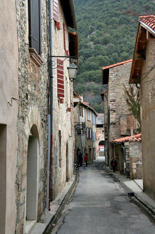 Одна из старинных улочек города