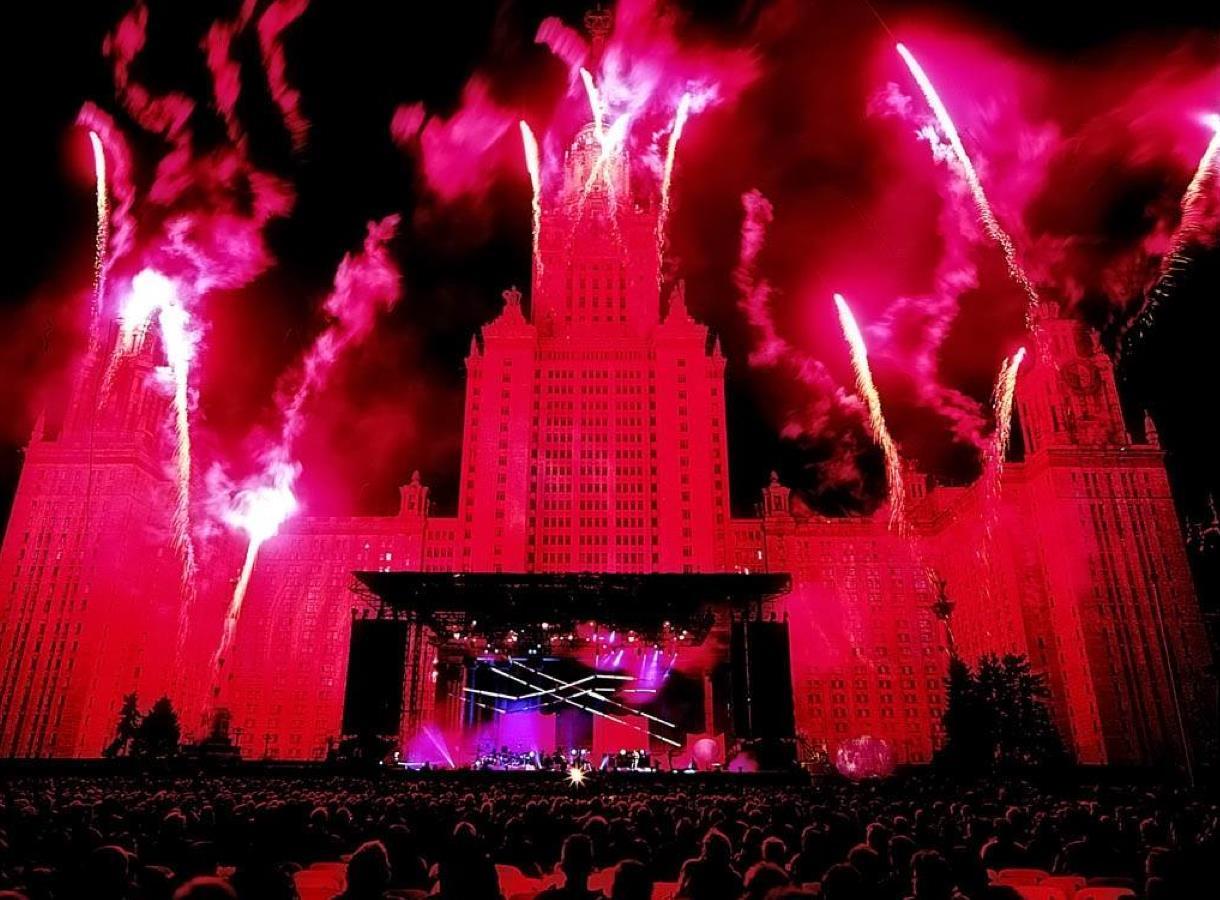 Концерт Ж.М.Жарра в Москве в 1997 году
