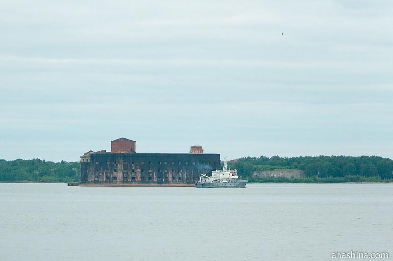 Форт «Император Александр I» («Чумной»), вид с дамбы (зум)
