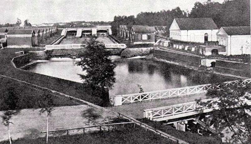 Плотина Охтинского порохового завода, фото 1872 или 1912 года