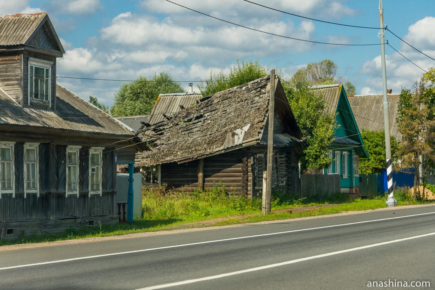 Контрасты трассы М-10, где-то в Тверской области