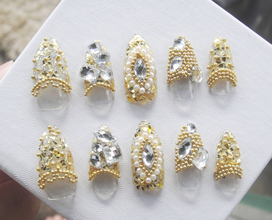 gold_beads__gems_nail_set_by_jadelushdesigns-d3c6dzi