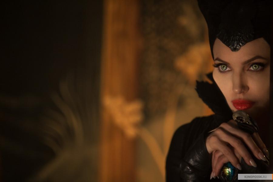 kinopoisk.ru-Maleficent-2365899 (1)