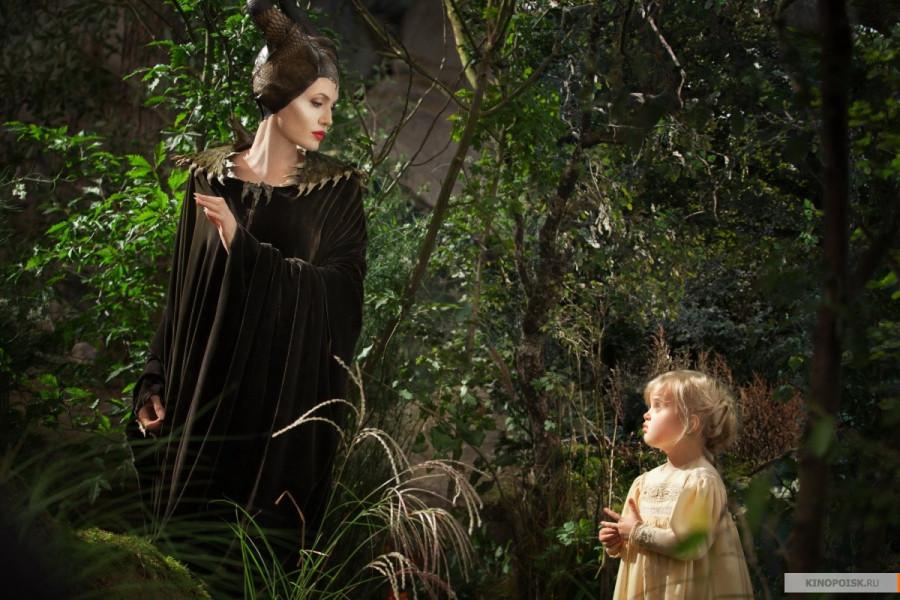 kinopoisk.ru-Maleficent-2365900