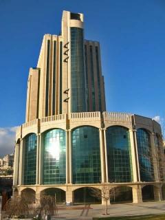 здание с лифтом,где мы катались