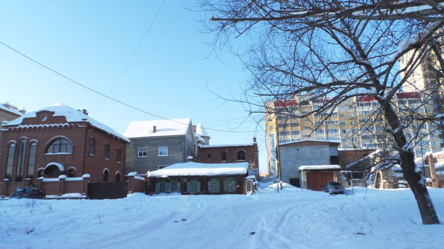 Один из последних оставшихся частных домов по ул. Тагильской