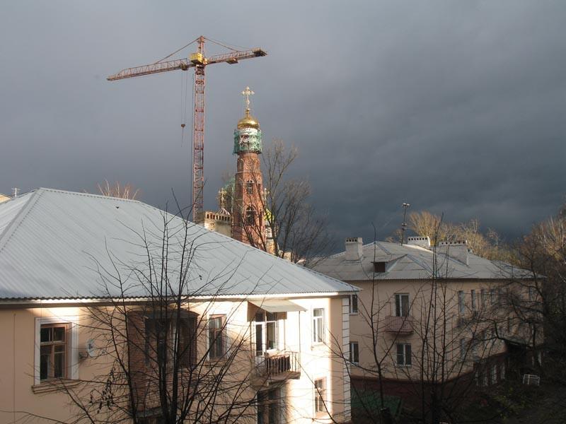 Строительство колокольни Вознесенского монастыря в Тамбове. Фото 31 октября 2012 г.