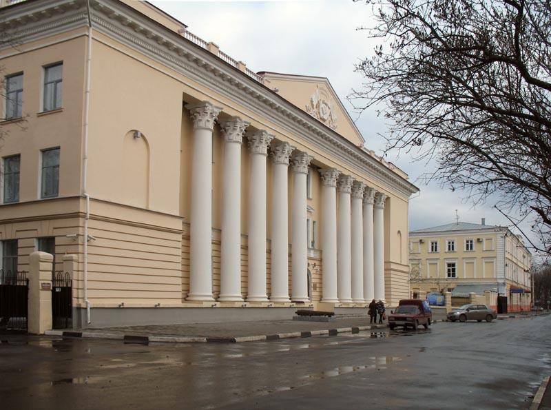 В.Г. Самородов. Дом политпросвещения (1954) в Тамбове. Фото 16 ноября 2012 г