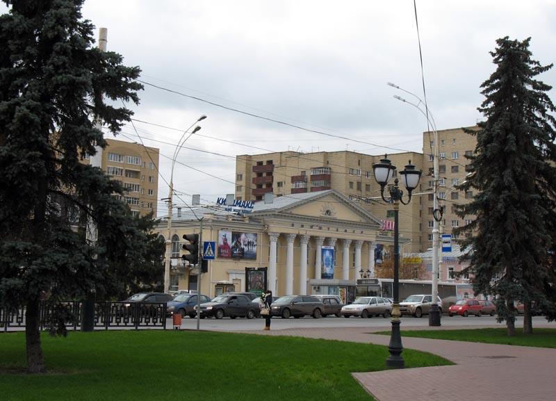 По проекту Самородова была проведена реконструкция кинотеатра «Родина»