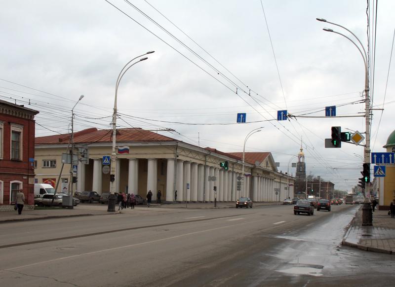 Здание Гостиного двора (1837) в Тамбове. Фото 16 ноября 2012 г.