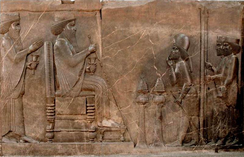 5 Царь Дарий принимает подданных