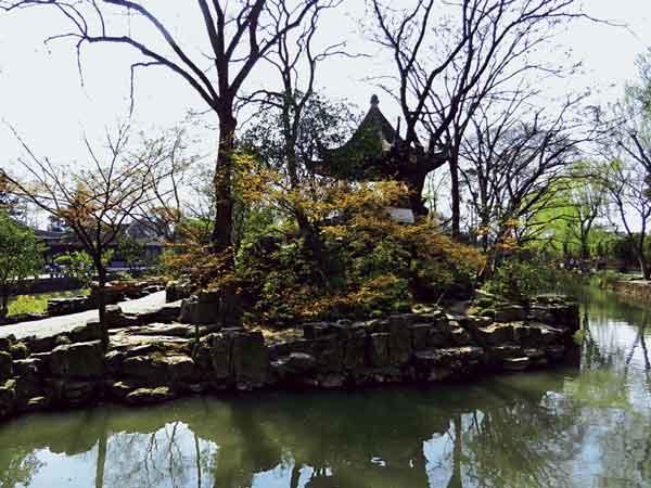 В Саду Скромного Правителя в Сучжоу. Начало 16 в. 2011