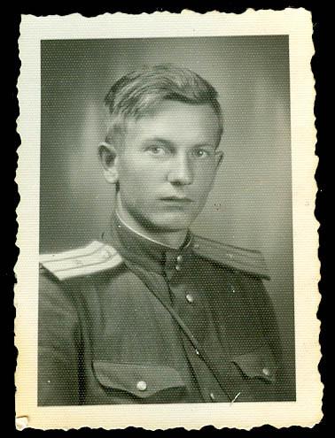 Николай Александрович Хитёв. Фото 05.06.1945 г.