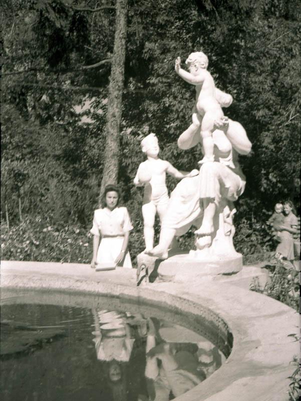 В тамбовском горсаду. 1949-1950 гг.