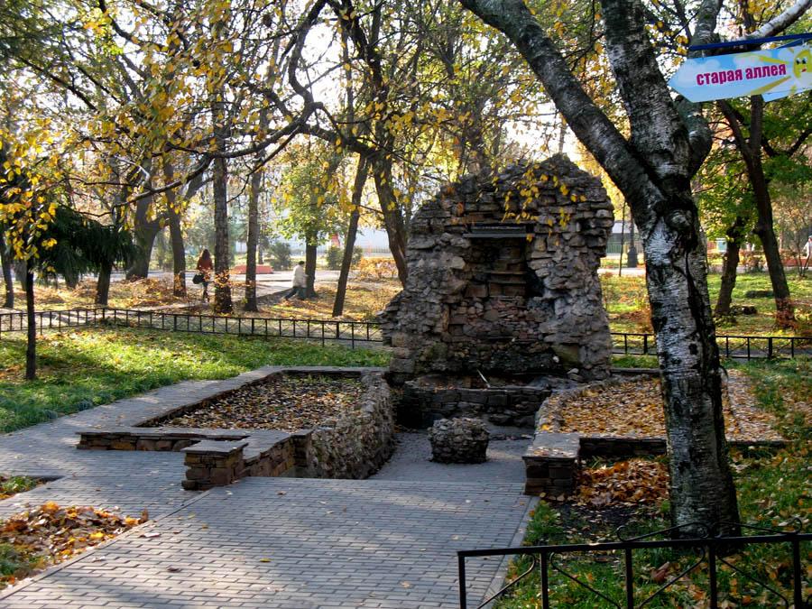 Грот в городском парке Тамбова. Фото 2007 г.