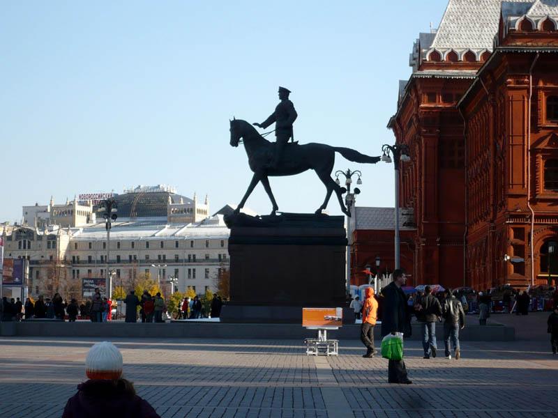 В. Клыков. Памятник Г. Жукову. Москва