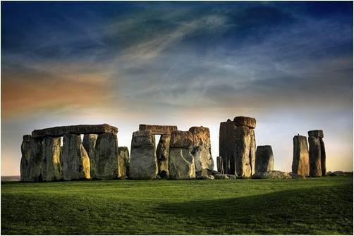 Стонжендж. Англия. Около 3000-1000 гг. до н.э