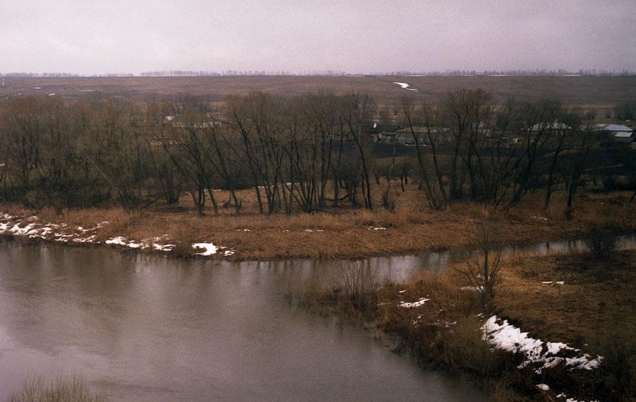 Река Вяжля. Фото апреля 2004 г.