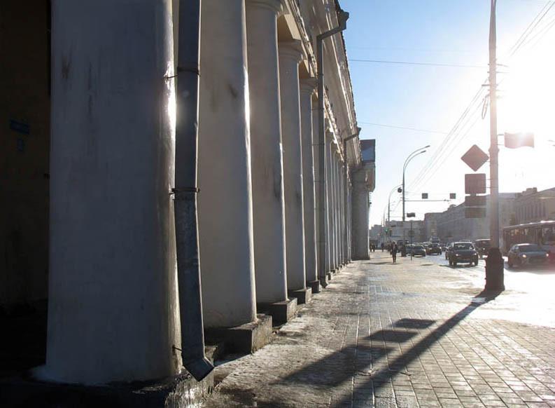 Колоннада ГУМа (гостиного двора). Тамбов. Фото 29 декабря 2012 г.