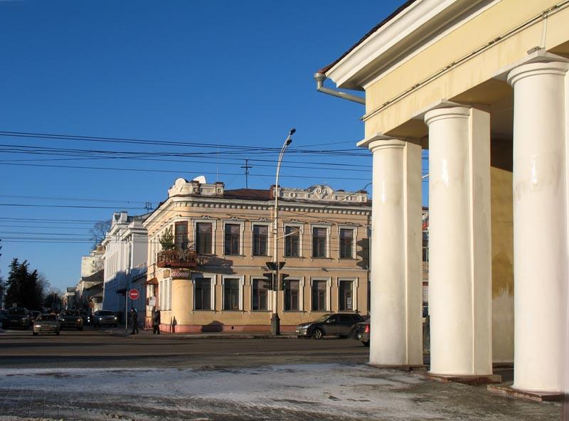 Перекресток улиц Советской и Октябрьской (бывшая Знаменская). Тамбов. Фото 29 декабря 2012 г.