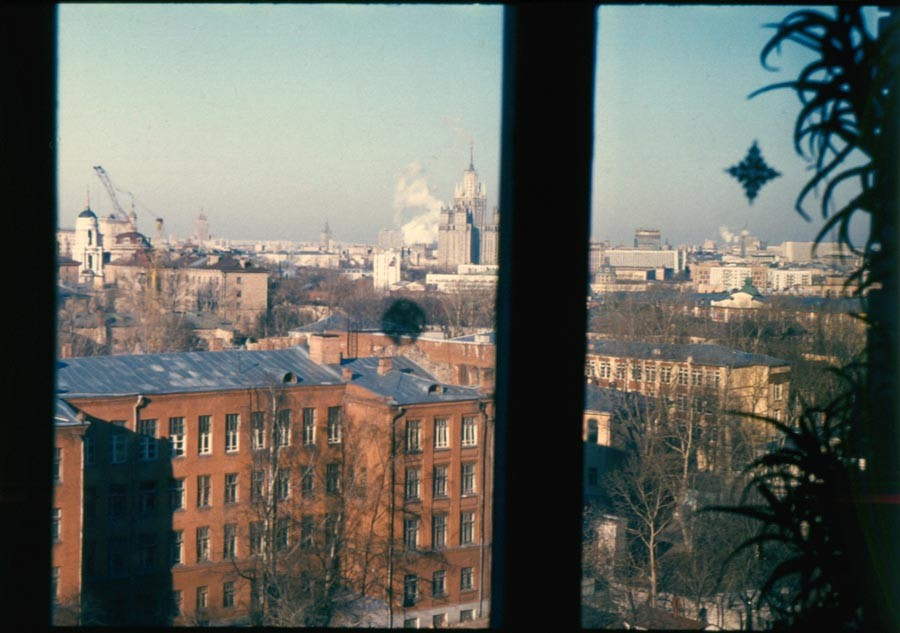 Вид из окна. Москва. Фото 1993-1994 гг.