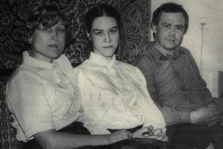 Валентин Распутин с семьей