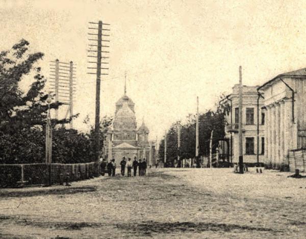 Гостиный двор и Знаменская церковь. Фото нач. XX в.