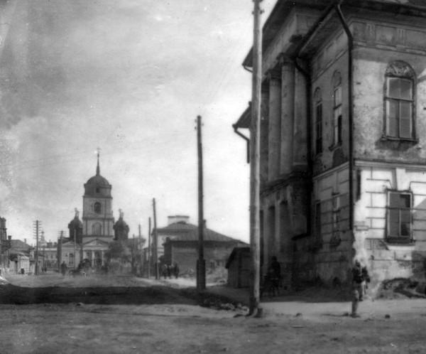Дом Суворова и Знаменская серковь. 1920-е гг.