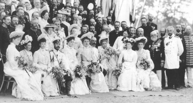 Н.Н. Чолокаев и другие представители Тамбовской губернии во время встречи с Николаем II