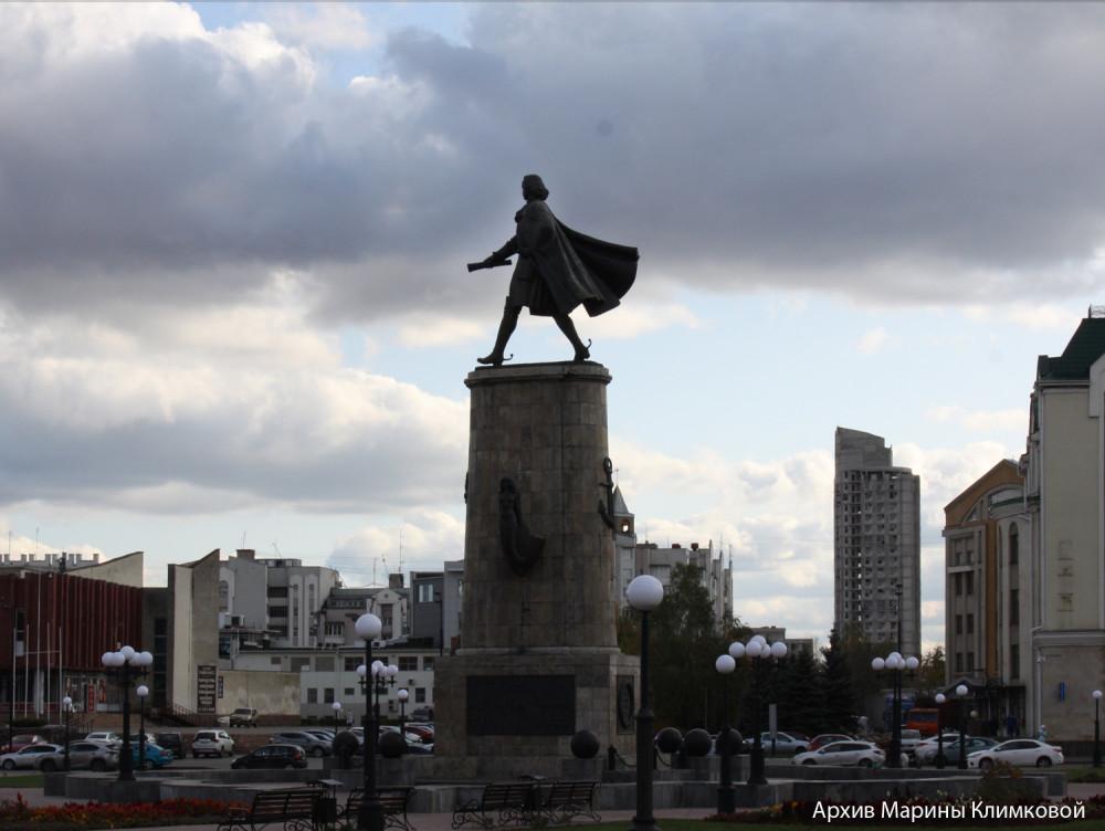 В.М. Клыков. Памятник Петру I в Липецке. Фото 8 октября 2019 года