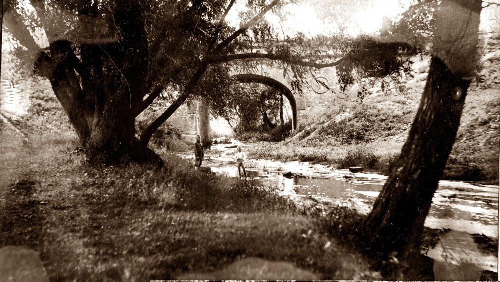 Мост через Студенец. Фото 1930-1940-х годов. Из семейного архива О. Вернера