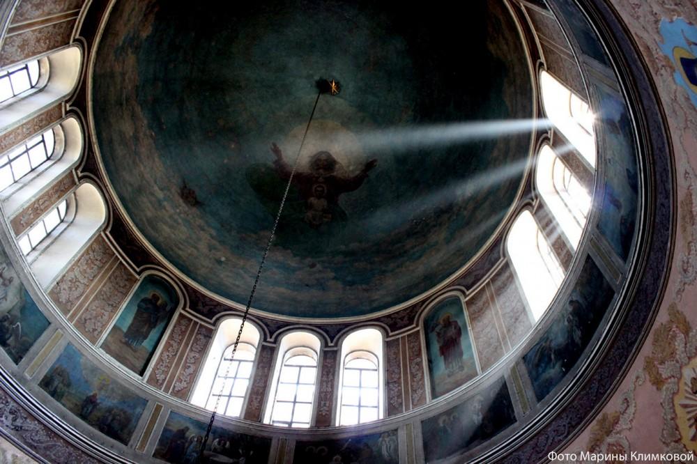 Роспись купола Иоанно-Богословского храма города Рассказово. Фото 2014 года