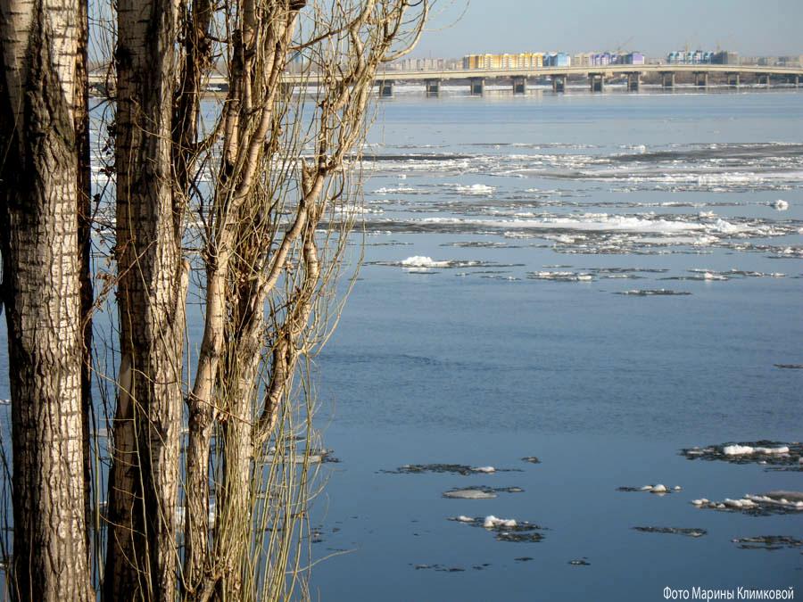 Мост через волгу. Саратов. Фото 5 апреля 2020 года