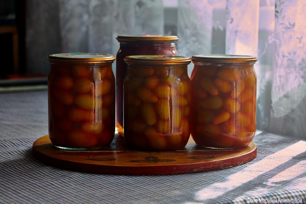 Помидоры в томатном соке. Фото 16 августа 2010 года