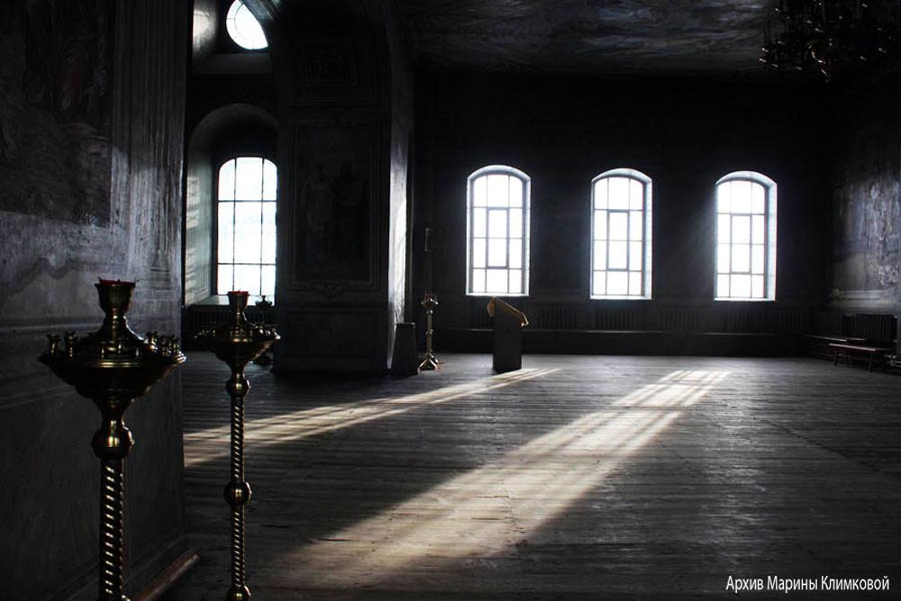 В верхнем храме Спасо-Преображенского собора города Тамбова. Фото 2014 года
