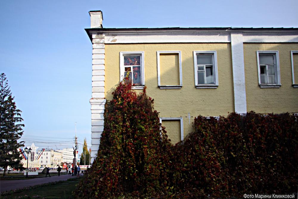 Здание бывшего военкомата (памятник регионального значения). Тамбов. Фото 3 ноября 2020 года