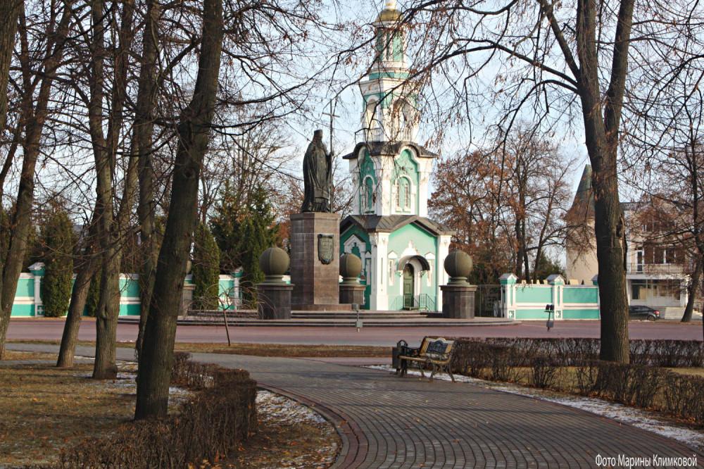 Памятник святителю Питирима. Соборная площадь. Тамбов. Фото 19 ноября 2020 года