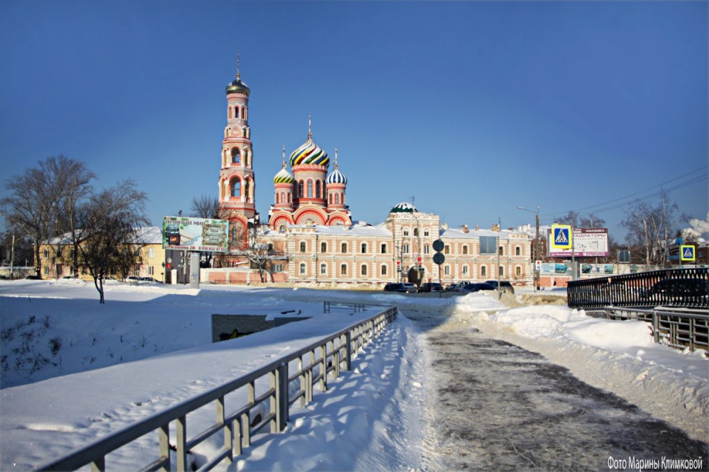 Тамбовский Вознесенский монастырь. Вид с Замятинского моста через Студенец. Фото 17 января 2021 года