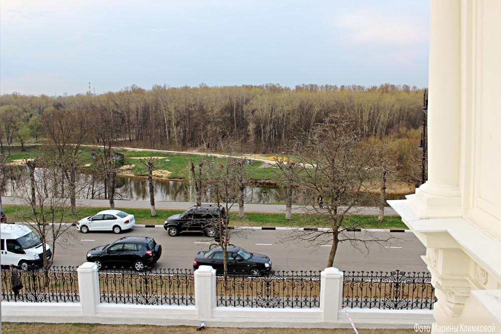 Вид на набережную Цны с балкона асеевского особняка. Тамбов. Фото 28 апреля 2015 года