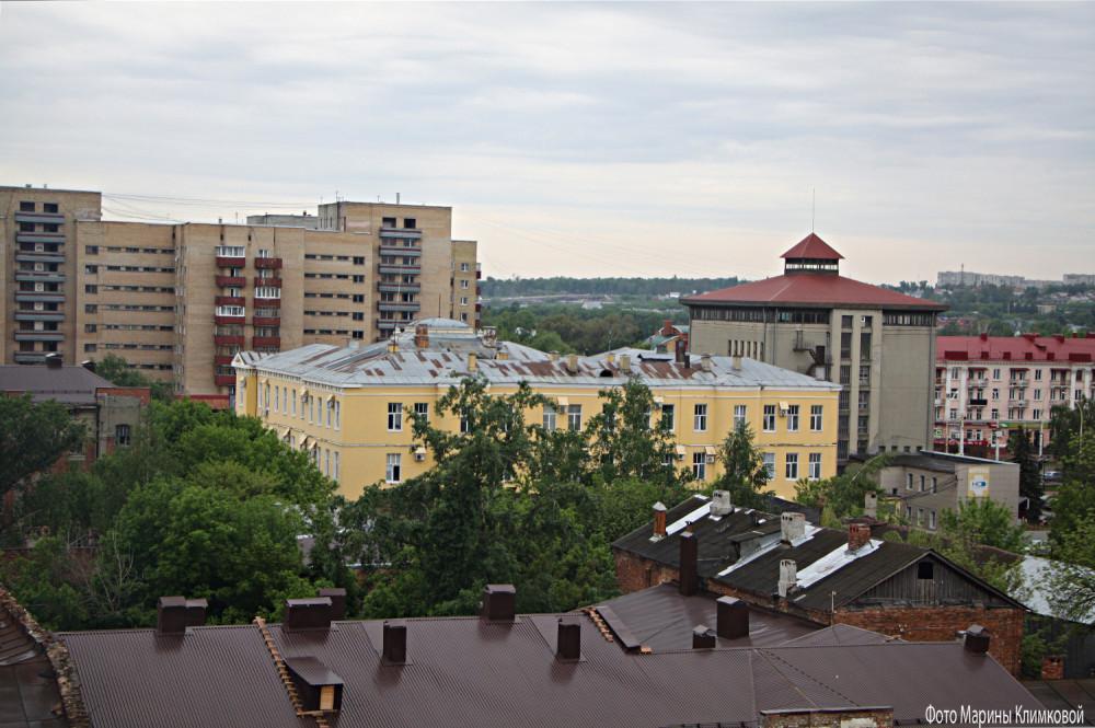 Тамбов. Вид на здания Державинского университета и ГАСПИТО. Фото 21 мая 2021 года