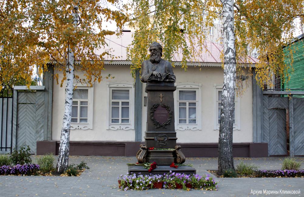 Дом № 9 на ул. Архиепископа Луки (б. Комсомольской) в Тамбове, в котором в 1944-1946 гг. жил свт. Лука (Войно-Ясенецкий). Фото 15 октября 2019 года