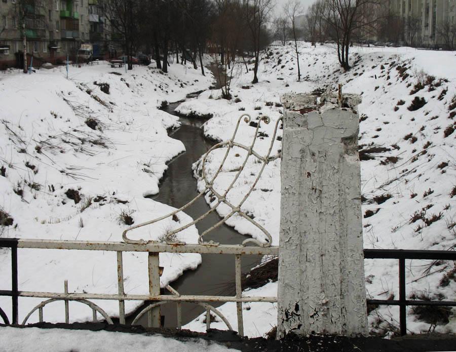 Вид на Студенец с Замятинского моста. Фото 4 февраля 2013 г.