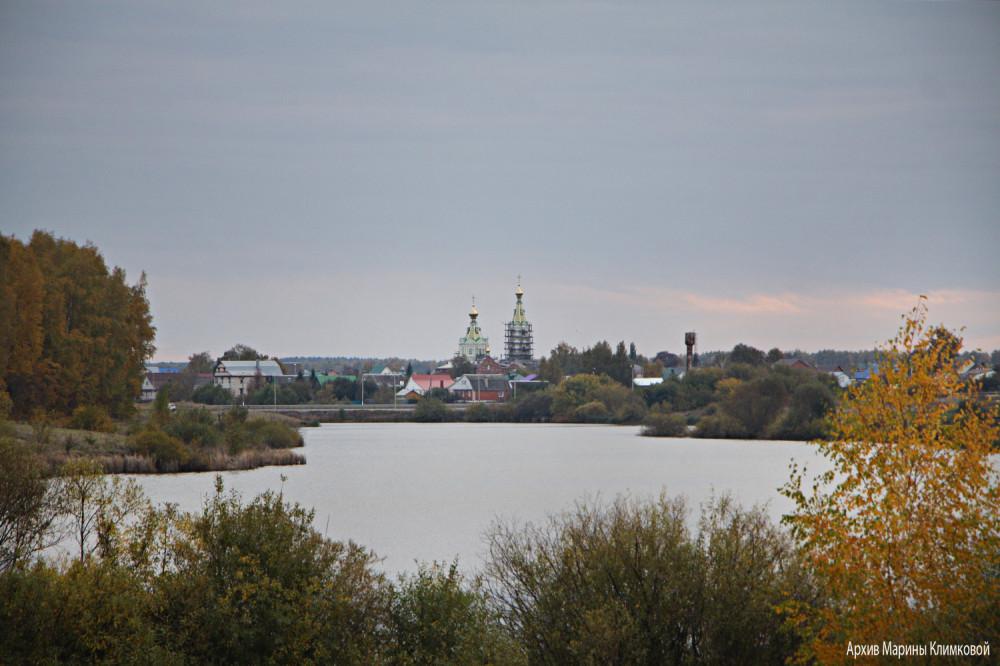 Село Стрельцы на реке Большой Липовице. Фото 5 октября 2021 года
