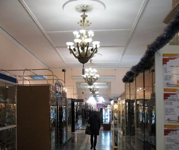 Интерьер здания гостиного двора. Тамбов. Фото 2012 г.