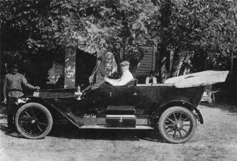 Рахманинов за рулём своего второго автомобиля