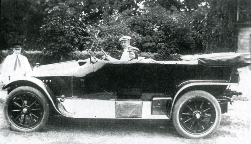 Рахманинов с дочерью Таней в Ивановке. Фото 1914 г.